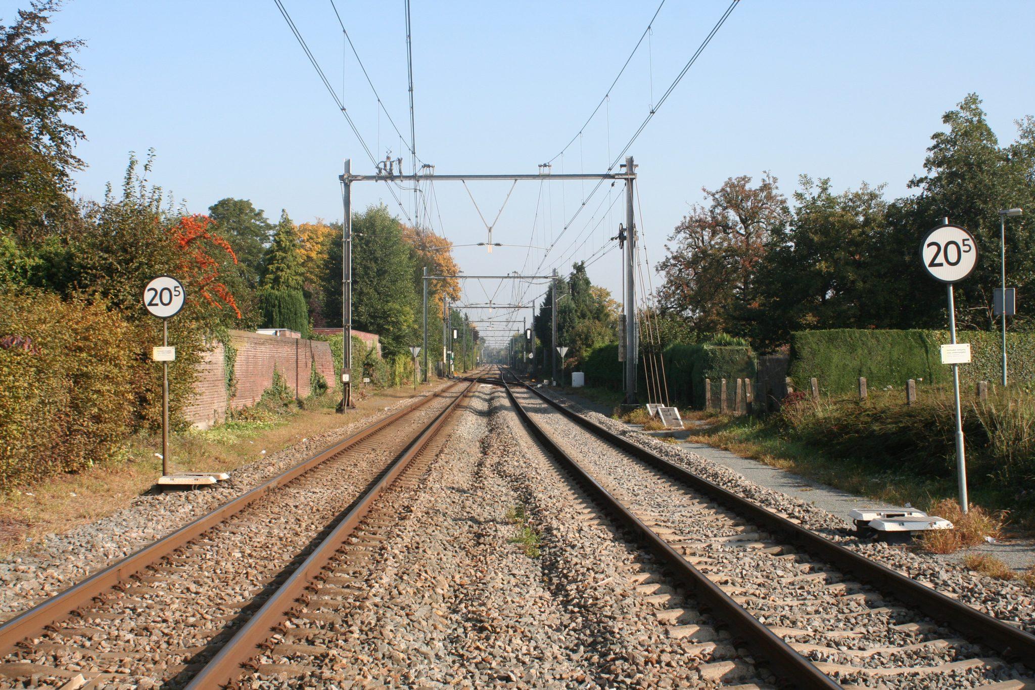 IMG_1516_Km19.814_Zicht-op-spoorbaan-richting-Maastricht